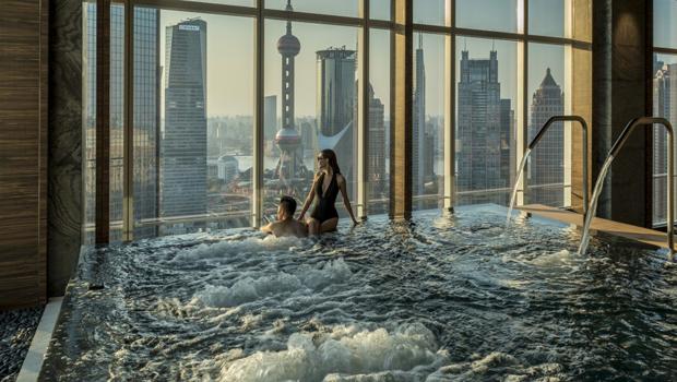 7 best hotel pools signature luxury travel style - Shanghai infinity pool ...
